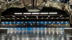 Tekniska Hgskolan Metro Station in Stockholm, Sweden (Ioannis Ioannou Photography) Tags: lights tekniskahgskolan fluorescent ioannisioannouphotography travel dodecahedron train reflections sweden stockholm scandinavia longexposure station metro sverige tbana