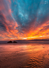 Hollywell Bay (Max Thompson Photography) Tags: nature wild cornwall south west england hollywell bay holly well monday sunset uk europe reflection colour orange blue water flow exposure long rock sand beach river sun set rise