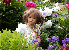 Milina im Blumengarten ... (Kindergartenkinder) Tags: dolls himstedt annette ilce6000 sony essen park gruga kindergartenkinder garten milina