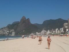 Playa de Ipanema (silvinafrydlewsky) Tags: brazil tourism brasil ipod view streetphotography copacabana ipanema rodejaneiro