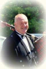 bagpipe serenade (Bets<3 Fine Artist ~Picturing Light ~ Blessings ~~) Tags: mainethewaylifeshouldbe mainenortheasternunitedstates nikon portrait bagpipes