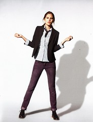 Catherine McNeil 3 (drno_manchuria (simonsaw)) Tags: catherinemcneil model modelo moda fashion shirt tie necktie camisa corbata gravata krawata kravata white blanca blanco knot nudo black negra negro