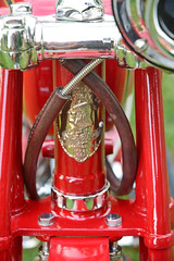 1918 Indian Chief PowerPlus - Detail (Brad Harding Photography) Tags: 1918 indian chief roadmaster indianchiefroadmaster indianchief bike motorbike motocycle antique vintage historic red artoftheconcours kansascity missourikansascityartinstitute cycle