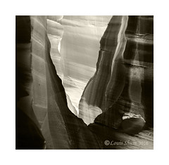 The Layers of Light. (Louis Shum) Tags: light arizona blackandwhite nikon pattern ngc monotone canyon antelope layers tone zonesystem anseladams antelopecanyon louisshum