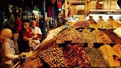 Mercado de especias (PhotoSebastian) Tags: turqua turkey estambul istanbul market bazaar eminonu