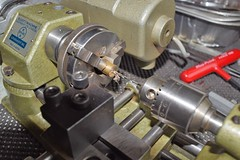 Close up shot of the Emco Unimat SL Mini Lathe circa 1970's Nice Quality made in Austria (pwllgwyngyll) Tags: lathes metalwork lathework cutters drills minilathes minimodels drilling tailstock chuck models turning milling cutting brass modelmaker hobbyist 1970s circa lathe mini austria in made machine quality sl unimat indoor