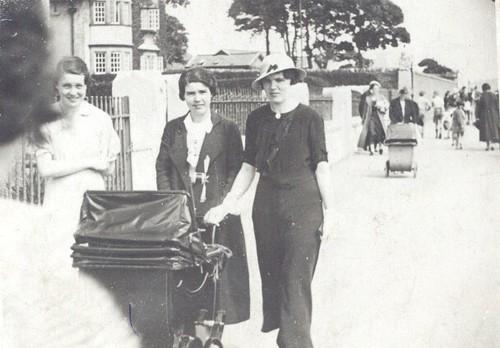 Marion Gilchrist and Bessie Cochrane 1937