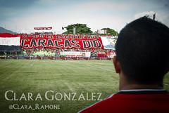 Jugador + teln (Clara Ramone) Tags: football stadium venezuela soccer caracas ucv estadio deporte fc futbol fvf copa estadios ftbol deportes deportivo tachira cfc ldr caracasfc tchira estadioolimpico demoniosrojos caracasfutbolclub futbolvenezolano futve lbdcfc