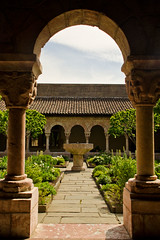 Repeating Shapes (de-lineation) Tags: courtyard cloisters the