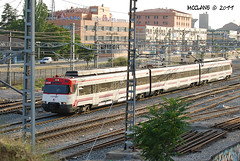 En Villaverde Alto, una 446 (McClane_E30) Tags: madrid tren ut cercanas alto caf renfe villaverde 446 lzb villaverdealto ut446