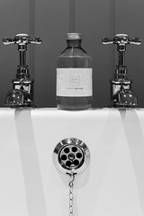 Victorian Bath Taps (a1ex2001) Tags: blackandwhite white house lake inn bath district victorian bowl bamboo taps soak balck plug punch overflow canonef50mmf14 crosthwaite canoneos5dmkii