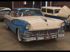1956 Ford Fairlane Victoria (54 Ford Customline) Tags: cars ford classics 1956 autos hotrods fairlane customs bendigo kustoms cs6 1956fordfairlanevictoria bendigorodstockandcustomshow
