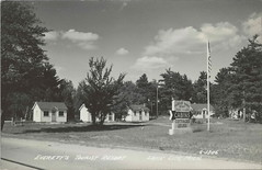 """NW Lake City MI RPPC 1940s Everetts Modern Tourist Court Resort Motel Cottages and Cabins too on Lake Missaukee Promoting GOOD BEDS and Sandy Beach Photographer Unk (UpNorth Memories - Donald (Don) Harrison) Tags: travel usa heritage history tourism vintage antique michigan postcard memories restaurants hotels trailer roadside upnorth cafes attractions motels cottages cabins campgrounds upnorthmemories rppc wonders"""" """"michigan memories"""" parks"""" entertainment"""" """"natural harrison"""" """"roadside """"travel """"don """"tourist stops"""" """"upnorth"""