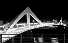 Squiggly Bridge (iain blake) Tags: bridge white black river clyde triangle glasgow anderson curve squiggly