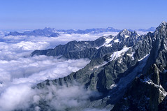 Chamonix-Mont-Blanc, massif du Mont-Blanc (Ytierny) Tags: panorama france horizontal altitude neige midi nuage chamonix montblanc glace alpinisme hautesavoie aiguille et belvdre srac nv hautemontagne alpesdunord ytierny