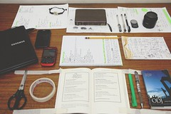 A tidy desk. (ritratoadriano) Tags: table desk tidy align studytable studydesk