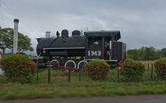 Crucero de Carmita, en la Provincia de Las Villas, Cuba (lezumbalaberenjena) Tags: crucero carmita locomotora locomotive steam vapor road carretera camajuaní villas villa clara cuba 2013 lezumbalaberenjena