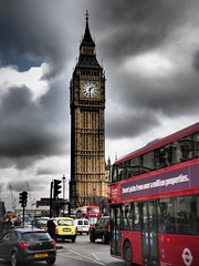 Beg Ben - Traffic Westminister Square (davepickettphotographer) Tags: city uk bus london clock square traffic housesofparliament parliament clocktower rushhour westminister londontransport houseofcommons londonuk begben cityofwestminister westministersquare