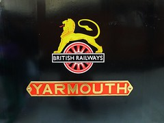 Nameplate of W2 'Yarmouth' (Richard and Gill) Tags: train br burgundy railway vectis isleofwight locomotive yarmouth sr e1 w2 steamengine steamrailway steamtrain iow nameplate southernrailway britishrailways havenstreet isleofwightsteamrailway southernregion lbsc iwsr