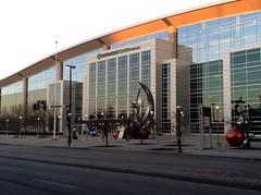 IMG_2027 (Andy961) Tags: omaha nebraska ne centurylinkcenter illumina outdoor sculpture publicart conventioncenter arena aviary