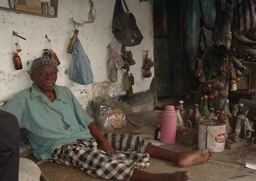 0558-01-10 Traditional Healer Selling Medicine