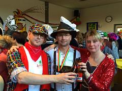 Rob / John / Astrid / Koningslust (rob4xs) Tags: holland netherlands john nederland thenetherlands rob astrid carnaval broer zus broers oelewappers proclamatie vastelaovend koningslust iphonephoto savelberg peelenmaas daelzicht rob4xs