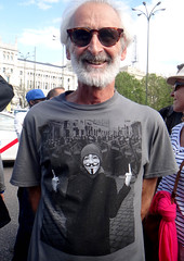 Mani 5º aniv. 15M - Anonimus (Fotos de Camisetas de SANTI OCHOA) Tags: anonimus peineta antipolicial