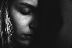 Lisa (Juliet Alpha November) Tags: portrait bw eye film face analog 35mm gesicht jan portrt 400 sw analogue agfa auge apx agfaphoto meifert