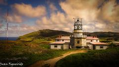 Faro de Estaca de Bares (Juan Figueirido) Tags: lighthouse faro bares estacadebares man fz150 farodeestacadebares farosgallegos farosdegalicia farosgalegos panasonicfz150 juanfigueirido estacadebareslighthouse