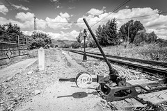 Cambio de agujas (Clear Of Conflict) Tags: huesca ayerbe cambio agujas trains trenes blanco y negro black white monochrome rails railway clouds cloudscape spain aragon