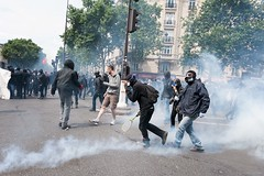 Paris (Federico Verani) Tags: street city paris streets work photography riot police travail strike rue legge citt loi parigi lavoro teargas polizia grve sciopero clashes generalstrike casseur grvegnrale scontri lacrimogeni scioperogenerale elkhomri loielkhomri 14june2016