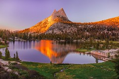 Sunset on the Sierra Nevada, #California | Photography by Vivek Vijaykumar (manbeachrm) Tags: blue sunset pordosol orange cloud sun silhouette skyline clouds sunrise landscapes sundown horizon natur sunsets puestadesol naturelovers naturelover   sunsetporn skyporn skylovers natureperfection sunsetstream landscapelovers instasky landscapecaptures trbsunsetsfx piclogy