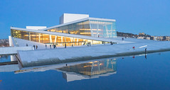 DSC05649 (Toto Kuo / I am Indie) Tags: nasjonalmuseet for kunst arkitektur og design   oslofjorden  akershus festning  astrup fearnley museum modern art  operahuset  oslo rdhus   frognerparken   the nationalgalleriet