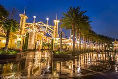 Rainy Night at Paradise Pier (Samantha Decker) Tags: california ca newyork rain night disneyland wideangle anaheim themepark disneyscaliforniaadventure uwa paradisepier canoneos6d samanthadecker boardwalkpizzaandpasta socal16