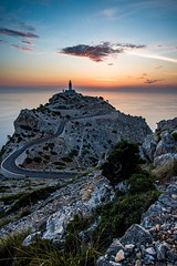 Sunrise at Cap Formentor (Benjamin_R) Tags: lighthouse sunrise spain nikon d750 20mm 20 f18 18 mallorca spanien leuchtturm formentor capformentor f18g