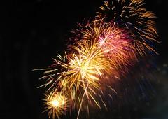Feux de la St-Jean Baptiste 2016 Qubec...vive la petite touche de bleue (mariej55quebec) Tags: light color lumire firework qubec stjeanbaptiste plainesdabraham feuxartifice