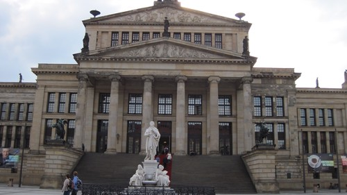 Konzerthaus with statue of the poet Schiller, Gendarmenmarkt Berlin