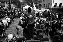 . (Thorsten Strasas) Tags: food signs berlin schilder musicians de demo deutschland march israel peace audience religion flags judentum tolerance demonstration singer wilmersdorf jews rabbi banners rede charlottenburg juden flaggen transparente vorsitzender fahnen ansprache kippa jewishcommunity rabbiner yehudateichtal jdischegemeinde israeliflags gideonjoffe chabadlubawitsch klausdietergrhler shmuelsegal vicedistrictsmayor
