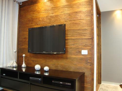 Painel de TV. Foto: madeiradedemolicao.com