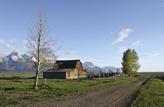 DSC_9360a Moulton Barn-Teton NP- 2013 (BevsPics) Tags: mormonrow tetonnationalpark moultonbarns