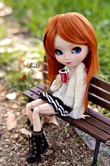 Take a break... (Suki) Tags: park bench ginger outdoor blueeyes carrot groove pullip pullips junplanning pullipaquel