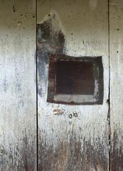 EVOL - detall porta (beagle34) Tags: francia evol 117 languedocroselln pirineosorientales panasonicfz200 comarcadelconflent