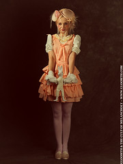 Dress Up Dolls (gloomth) Tags: hat vintage key doll kei dress antique peach garland lolita popcorn egl dolly gloomth dollykei