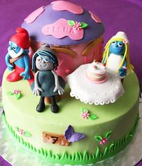 Smurfs Cake (Passione: Cupcakes!) Tags: birthday cake smurfs smurfette pitufos puffi smurfshouse vexy smurfscake tortapuffi tartapitufos smurfettehouse