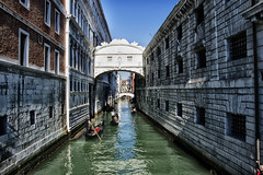 Sospiri (Francesco Pennino) Tags: nikon venezia soe nikond3200 blinkagain nikonclubit vpu1 vigilantphotographersunite vpu2 vpu3 vpu4 vpu5 fotografarevenezia