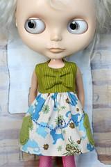 Kitten Mittons (Button Arcade) Tags: blue cats green wool doll dress kittens felt bow blythe pockets buttonarcade