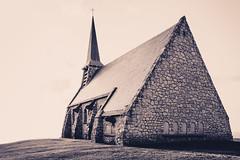 Notre dame de la garde - Etretat (Julien Pf) Tags: canon eos rebel landscapes normandie t3 glise paysages chapelle lanscape nomandy 1100d normandieetretatpaysage