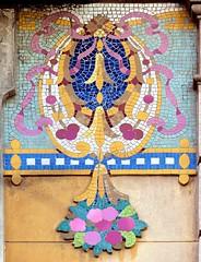 Barcelona - Girona 123 f (Arnim Schulz) Tags: barcelona espaa building art texture textura faence architecture tile liberty spain arquitectura pattern arte mosaic kunst edificio kacheln mosaico catalonia artnouveau tiles gaud architektur catalunya deco espagne btiment gebude muster modernismo catalua spanien modernisme glazed azulejos jugendstil mosaque baldosa mosaik deko dekoration decoracin espanya katalonien stilefloreale textur belleepoque baukunst carreau