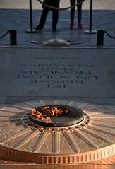 Eternal flame - Paris (Bon Espoir Photography) Tags: paris france fire memorial tomb flame ww1 arcdetriomphe unknownsoldier eternal frenchsoldier nikond750