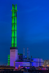 Stadtwerketurm (oliverhoffmann77) Tags: deutschland germany nrw nordrheinwestfalen ruhrgebiet ruhrarea ruhrpott pott nacht nachts dämmerung blau blaue stunde beleuchtet beleuchtung langzeitbelichtung duisburg turm kamin grün stadtwerke